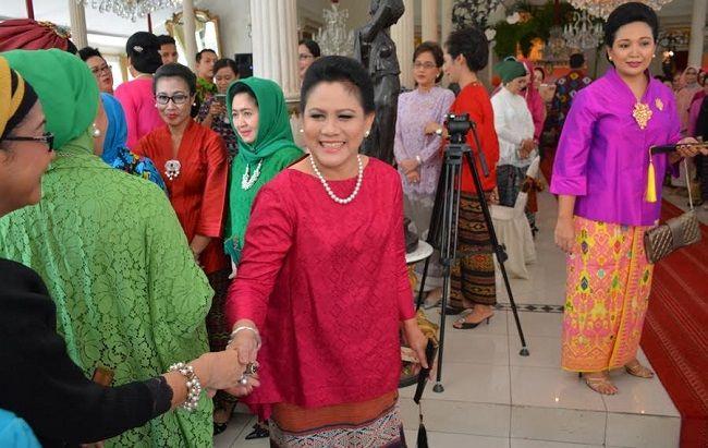 Polresta Surakarta Lakukan Pengamanan Ibu Negara Iriani Joko Widodo Saat Hadiri HUT ke-6 HRB dan Pulang ke Kediaman Pribadi