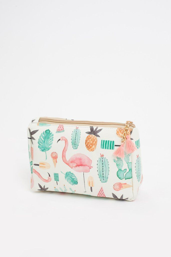 Cosmetic bags aren't just great for holding your Summer essentials, but we love how they easily organize any oversized bag!...