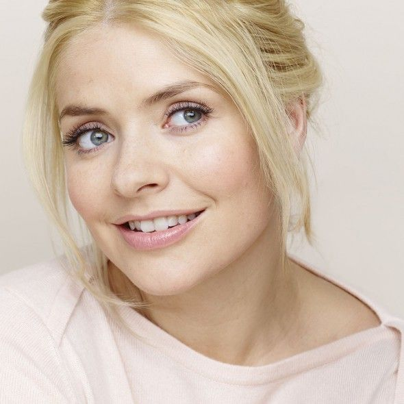 Holly_Willoughby-what_is_a_bb_cream-Garnier_BB_Cream-good_housekeeping_uk__large.jpg (590×590)