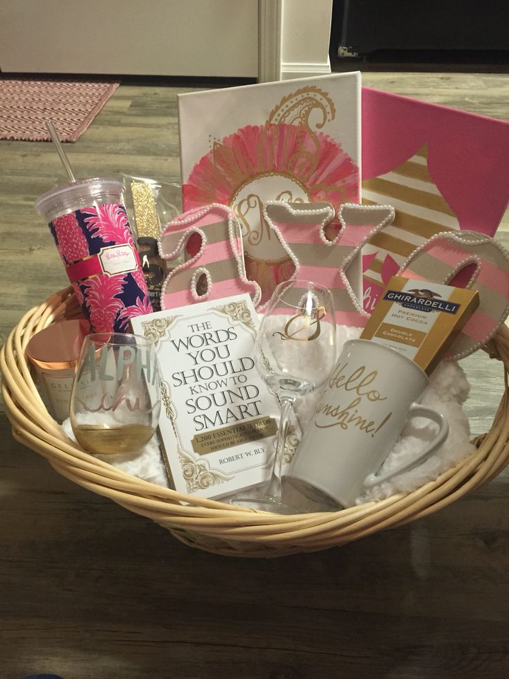 Alpha Chi Omega Glam sorority big/little basket reveal week