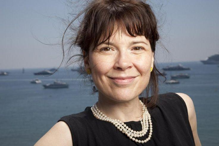 Le collier de perles d'Anne Dorval... à 1000$ le rang... Je me contenterais bien d'une belle petite copie :-)