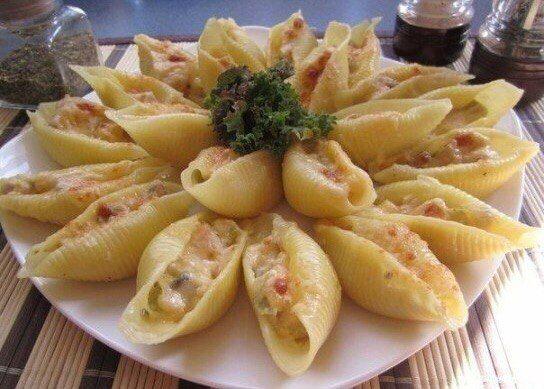 Ракушки с фаршем с соусом бешамель / Вкусные привычки