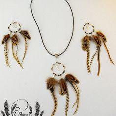 Parure collier et boucles d'oreilles en plumes et perles oeil du tigre, agathe noire et miyuki