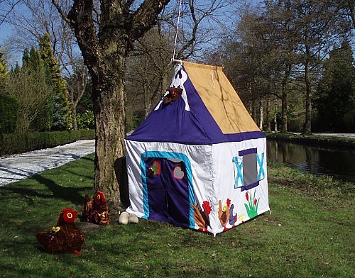 Speeltent Boerderij van Hanging Houses / Playing tent Farm from Hanging Houses