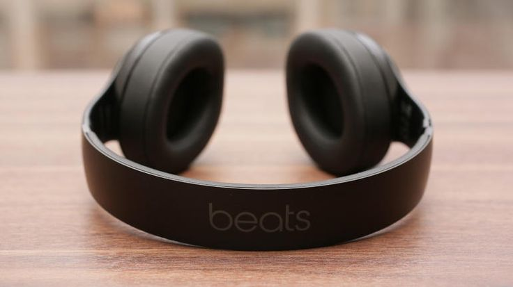 While it'll cost you a hefty $380, the Beats Studio Wireless is an excellent wireless Bluetooth headphone.