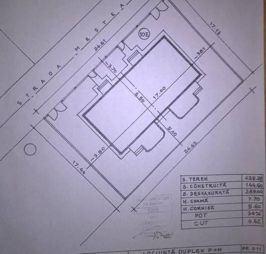 FUNDENI Dobroiesti(Ilfov) Constructie duplex P+1+M (finalizate: fundatie, ziduri exterioare parter caramida, popit grinzi , fier beton si o parte din placa la etaj), amprenta 75mp+75mp, teren total 500mp.Apa, gaze, curent în fata lotului, canalizare la capatul strazii la 50 m.Put in curte. Se pune la dispoziţia cumpărătorului proiectul aprobat şi autorizaţia de construcţie care trebuie reînnoită. Fiecare unitate locuibila din cadrul duplexului este compusa din: &#821