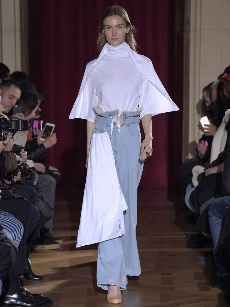 Y/PROJECT AW17 WOMENS LOOK 03