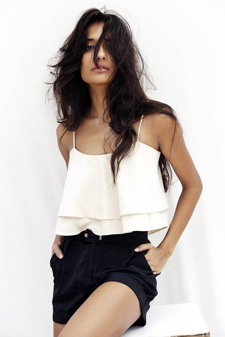 Lisa Haydon Poses for Deme
