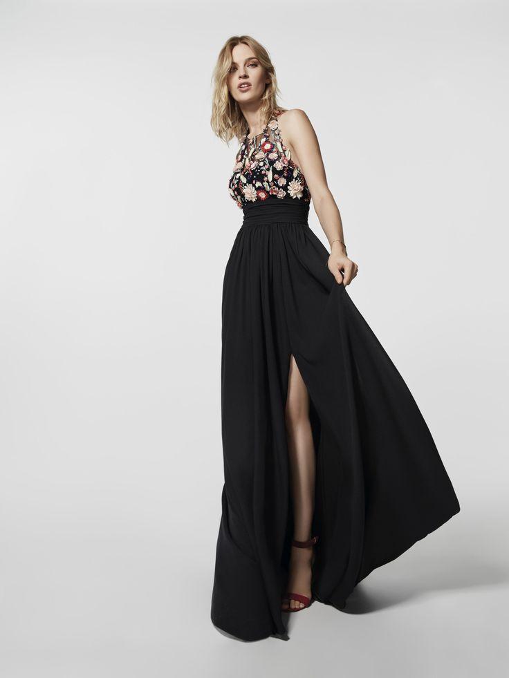 Procura um vestido de festa? Este vestido comprido preto é um vestido de festa (modelo GRETA) com um decote tipo halter à frente e com as costas descobertas. Vestido da linha evasé sem mangas (georgette e tule bordado)