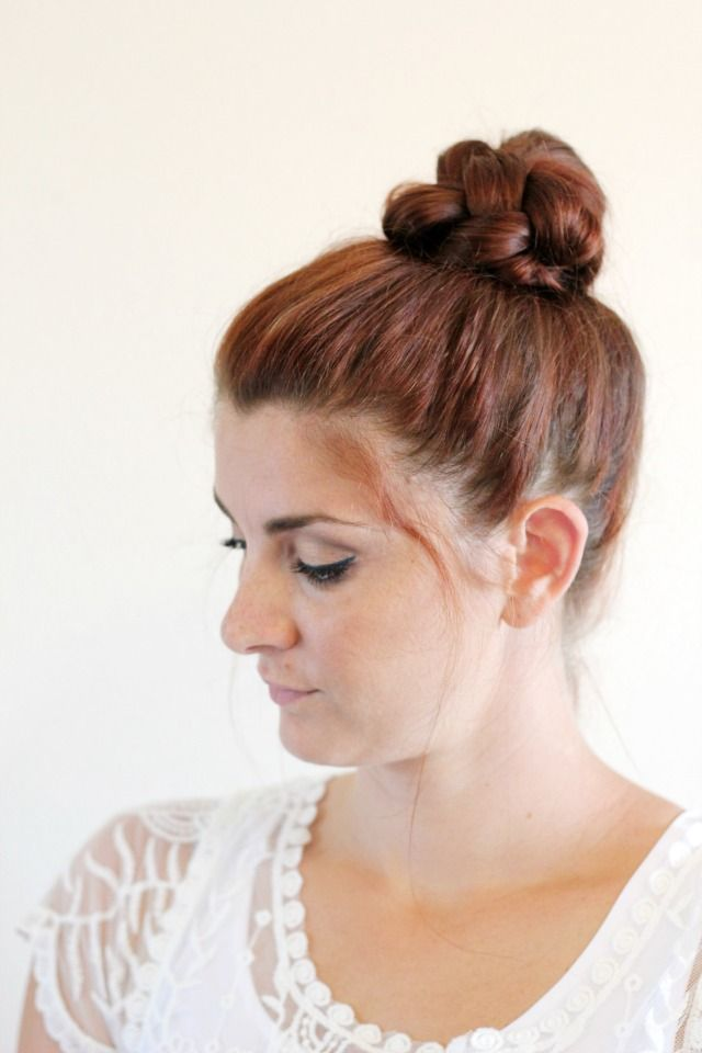 top knot hair style 1000 ideas about braided top knots on top 5643 | 11c017f06dbd775c2027b5a1a27890cc