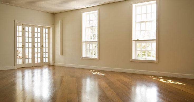 ¿Cómo determinar la medida del suelo para colocar piso?. Si compras una casa vieja, una casa que necesite reparaciones o si solo deseas cambiar algo para que se vea de acuerdo a tus gustos, puedes decidir cambiar el viejo piso. Si deseas añadir un cuarto o terminar un ático o un sótano necesitas determinar la cantidad de piso que debes comprar. La cantidad normal de piso que se necesita se mide por lo ...