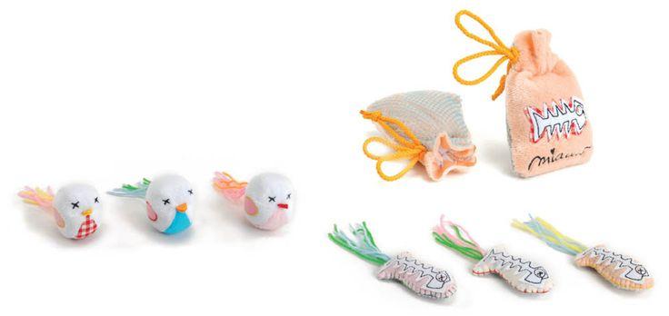Juguetes variados para gato. Tres diseños distintos pajarito, raspita o bolsita de 5 centímetros. Los modelos combinan distintas texturas pa...