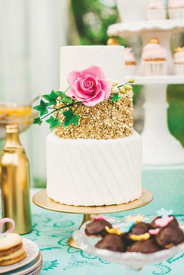 THIS cake! So pretty ~ Charming & Lovely Ladies Garden Tea Party