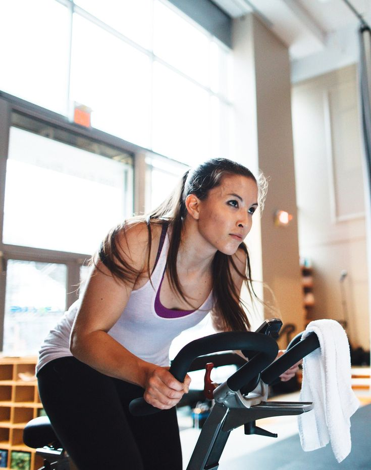 8 Things You Need to Know Before Your First Indoor Cycling Class