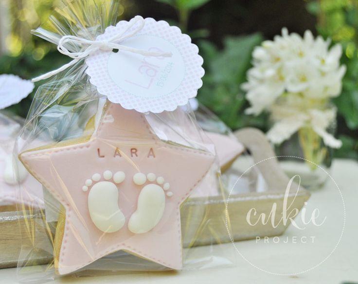 galleta decorada para bautizo de nia galletas originales de estrellas con los piececitos del