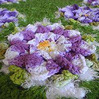 Tapete Verde com Flores Roxas – Barbante EuroRoma Trento e Milano
