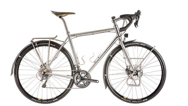 Am Wochenende schaut alle Welt auf den Start der 104. Tour de France: Für Rennfeeling im Alltag greifen Hobbybiker zum Fahrrad aus Edelstahl Rostfrei mit Qualitätssiegel. © WZV / Rennstahl Stahl Bikes
