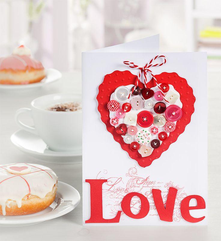 All you need is love! Gerade zum Valentinstag werden ja besonders oft und gerne liebe Grüße und Liebesgrüße verschickt.Wir zeigen Euch im Blog, wie Ihr eine Valentinskarte mit viel Herz ganz einfach selber gestalten könnt.  http://blog.buttinette.com/basteln/anleitung-valentinstagskarte-basteln