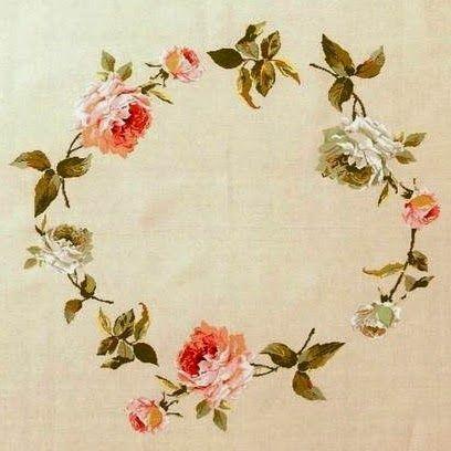 Милые сердцу штучки: Вышивка крестом: Льняная скатерть с розовым венком от DMC Home