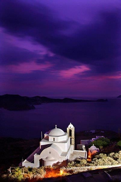 Chapel of Panagia Thalassitra, situated at Plaka, the capital of Milos island, next to the stonebuilt path that leads to the castle…!!!  Φωto by Iraklis Milas
