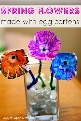 Egg carton flowers and prints. What else do you like to make with egg cartons?: Spring Flowers Crafts, Eggs, Kids Crafts, Egg Cartons, Toddler Approved, Activities, Spring Crafts