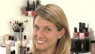 Make Up You: sopracciglia donna bionda