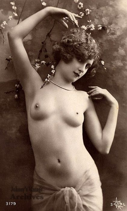 Ретро-ню: 12 обнаженных красавиц конца XIX века