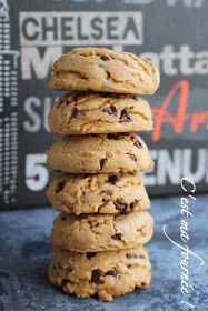 C'est ma fournée !: Les cookies de Laurent Jeannin RÉALISATION : Pour 28 cookies de 50 g : 500g de farine type 55 170g de sucre semoule 170g de vergeoise brune 125g de beurre pommade 30g de beurre de cacahuète 2 gros oeufs à température ambiante (125g) 8g de sel fin (1 teaspoon) 8g de bicarbonate (1 teaspoon)  4g (1 teaspoon) d'extrait de vanille liquide 340g de bâtons de chocolat coupés en gros morceaux, ou de grosses pépites (200g suffit)