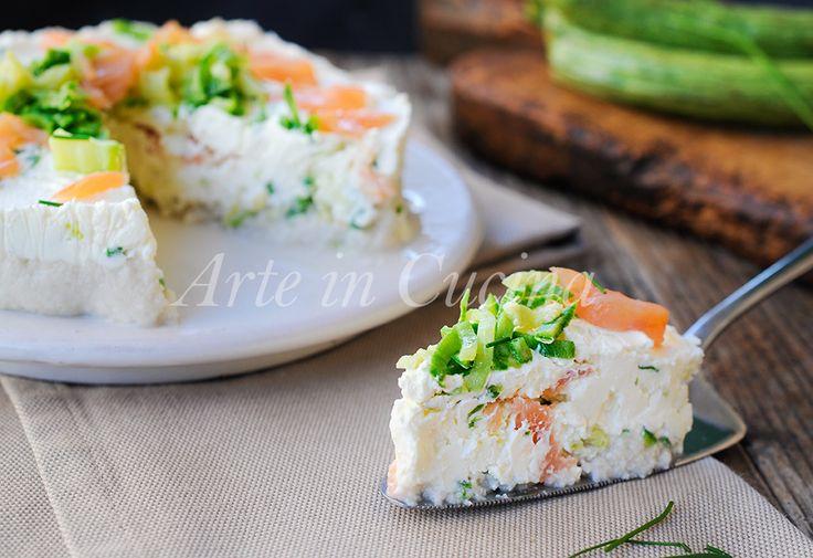 Cheesecake salata con ricotta, zucchine, salmone, ricetta facile, velocissima, piatto unico per la cena, antipasto semplice, ricetta sfiziosa, torta salata senza forno
