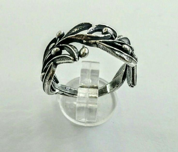 #thelittleshopAthens#olivebranch#silverring#handmaderings#greece#symbolofpeace# #etsy #jewelry #ring #silver #floral #boho #olivetree #olivebranchring #handmade #greekjewelry http://etsy.me/2iihKdk