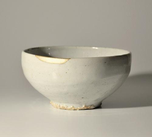 Antique Korean white porcelain bowl Joseon Choson chawan Kintsugi Gold 18-19th