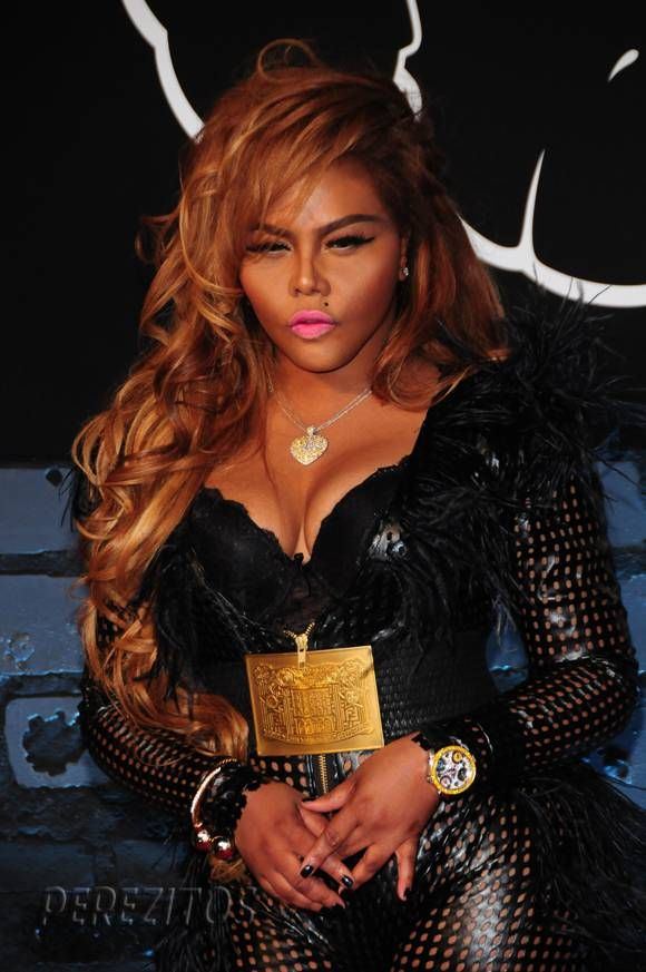 Lil Kim plastic surgery - All the way from breat augmentation, skin whitening, and fat injections, just how serious is Lil Kim? - Many were surprised. #LilKimPlasticSurgery #LilKim #lacocinadefrida