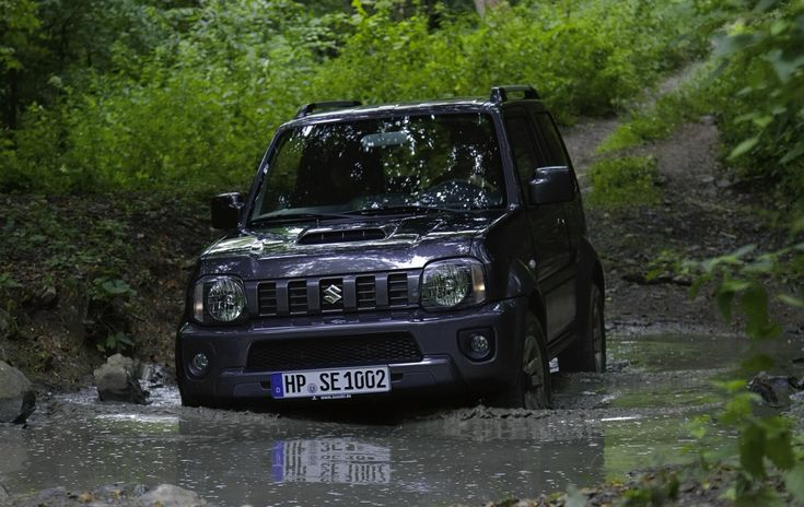 New Suzuki Jimny to debut in 2016, will stay small and off-road focussed - report - http://www.caradvice.com.au/322412/new-suzuki-jimny-to-debut-in-2016-will-stay-small-and-off-road-focussed-report/
