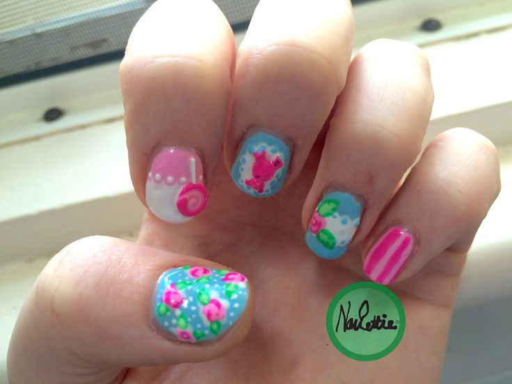Quirky coloured vintage nail art #teddybears #lollypops
