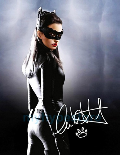 THE DARK KNIGHT ANNE HATHAWAY CATWOMAN SIGNED AUTOGRAPH POSTER