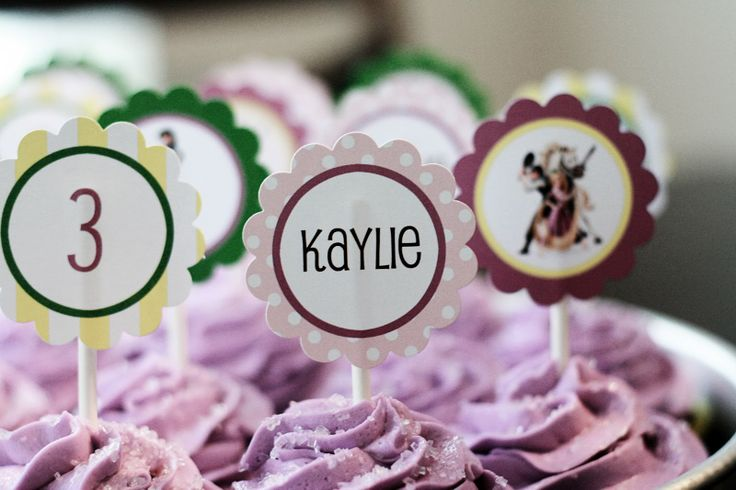 Sweet Pink Designs: FREE Tangled Cupcake Toppers!