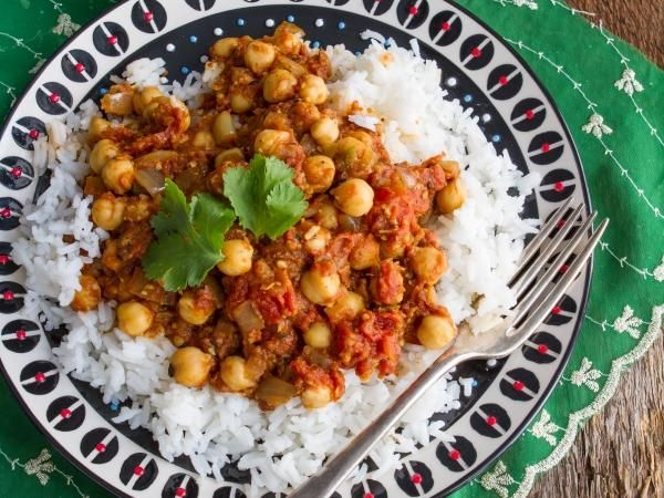 10 Vegan Recipes For A More Plant-Based You: Quick & Easy Chana Masala http://www.prevention.com/food/cook/?s=2