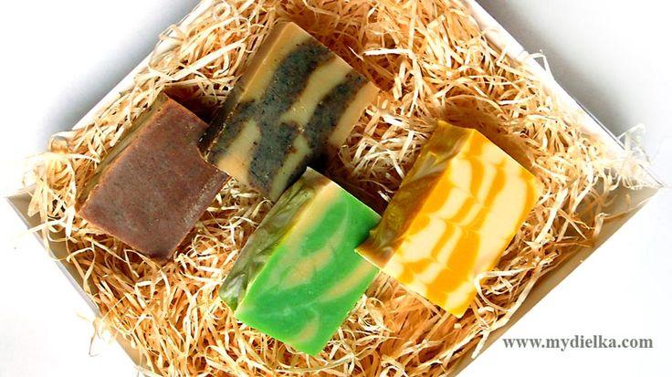 Christmas box full of soaps: cinnamon, cloves, mint-lemon and honey soaps