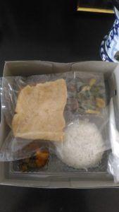 Catering tumpeng 085692092435: 08118888516 Pesan Nasi Box Di Pasar Baru