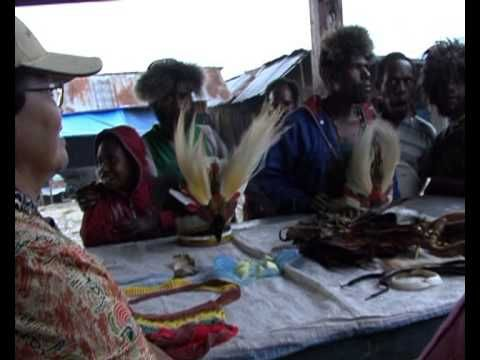 Noken multifunctional knotted or woven bag, handcraft of the people of Papua - YouTube
