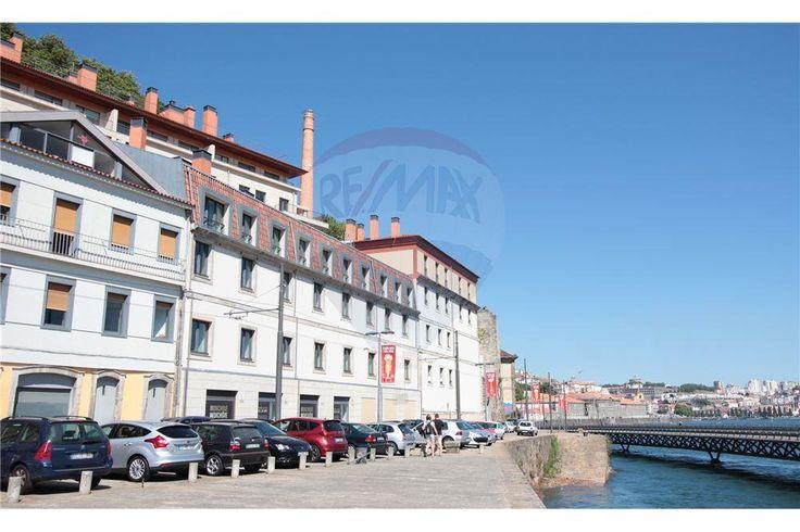 Apartamento - T5 - Venda - Lordelo do Ouro e Massarelos, Porto