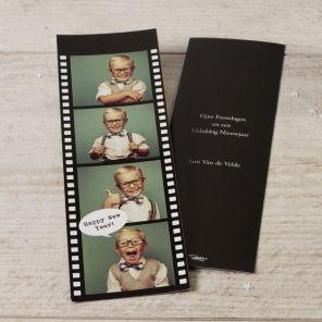 Tover een glimlach op ieders gezicht met deze trendy film fotokaart. Bovendien kan je bij deze kaart ervoor kiezen om Artsen Zonder Grenzen of Make-A-Wish te steunen.Stijlvol design