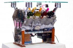 table PC refroidis par watercooling qui refroidi les bouteilles !!! a base d'un moteur mercedes ^^ Roooooo c ti pas beau ca