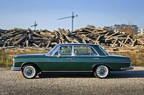 #mercedes #benz #classic #old #german #car #stanceworks #w108 #w114 #w115 #w116 #w123 #w124 #w126 #w201 #w220 #w240 #w110 #w111 #gclass #love #instagood #me #smile #follow #cute #photooftheday #tbt #followme #amg