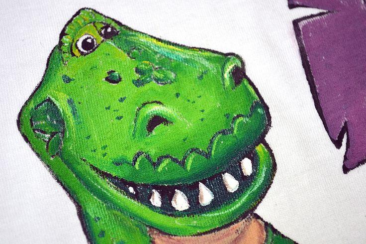 t-shirt z dinozaurem