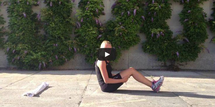'Squats' (samen met 'lunges' die later aan bod zullen komen) is absoluut mijn favoriete oefening voor mooie getoonde benen. Je hebt er niets voor nodig behalve je eigen lichaamsgewicht, een klein stukje techniek en vijf minuten van je drukke schema. [...]