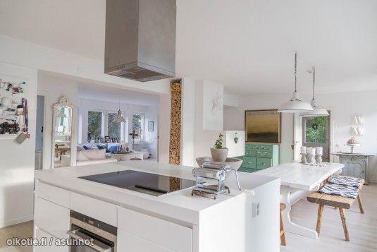 Myytävät asunnot, Hakamäki 4 Tapiola Espoo #oikotie #oikotieasunnot #valkoinen #sisustus