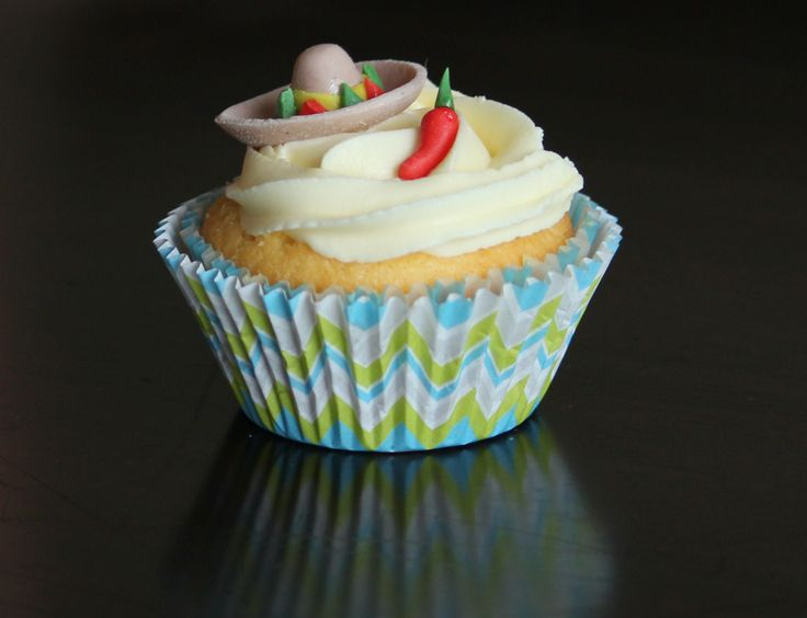 Mexican themed cupcakes; sombrero and chilli pepper (lemon ...
