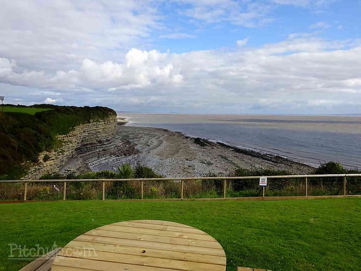 Book Fontygary Leisure Park in Glamorgan from £15/nt. Dogs allowed, Indoor swimming pool, Bar or club house, Play area. Best prices, easy booking, no fees.