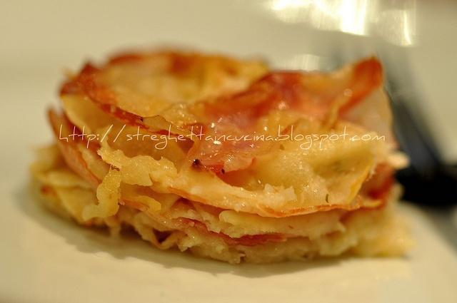 tortino di pane carasau, pecorino e pancetta arrotolata by streghettaincucina      #recipe #juliesoissons